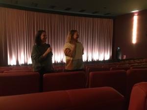 Regisseurin Ziska Riemann (li) im Filmgespräch zu ihrem Film GET LUCKY - SEX VERÄNDERT DIE WELT im Cineplex Alhambra.