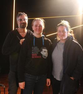 Wissenschaftlerin Dr. Andreau Knaut nach dem Gespräch zu BLADE RUNNER (Final Cut) im delphi LUX mit Moderator Martin Ganguly (li) und Elena Solte von VISION KINO (re).