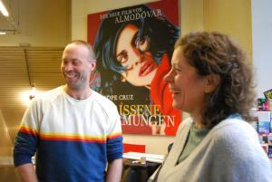 Erik Schmitt, Regisseur von CLEO im Gespräch mit Moderatorin Eva-Maria Schneider-Reuter