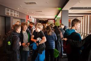 Publikum bei der Eröffnung