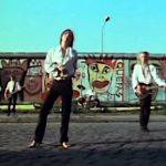 Schallmauer & Projektionsfläche: Musikvideos von beiden Seiten der Berliner Mauer